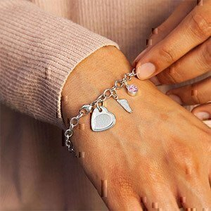 sterling-silver-bracelet-with-offset-heart-charm