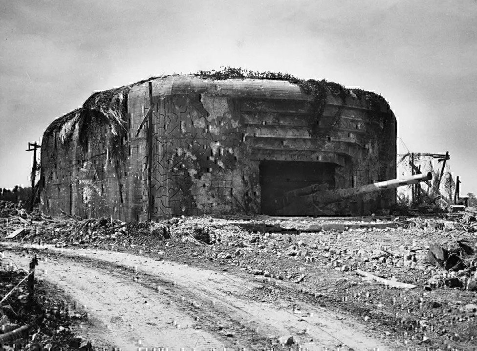 one-of-the-210mm-guns-of-the-german-crisbecq-battery-in-normandy