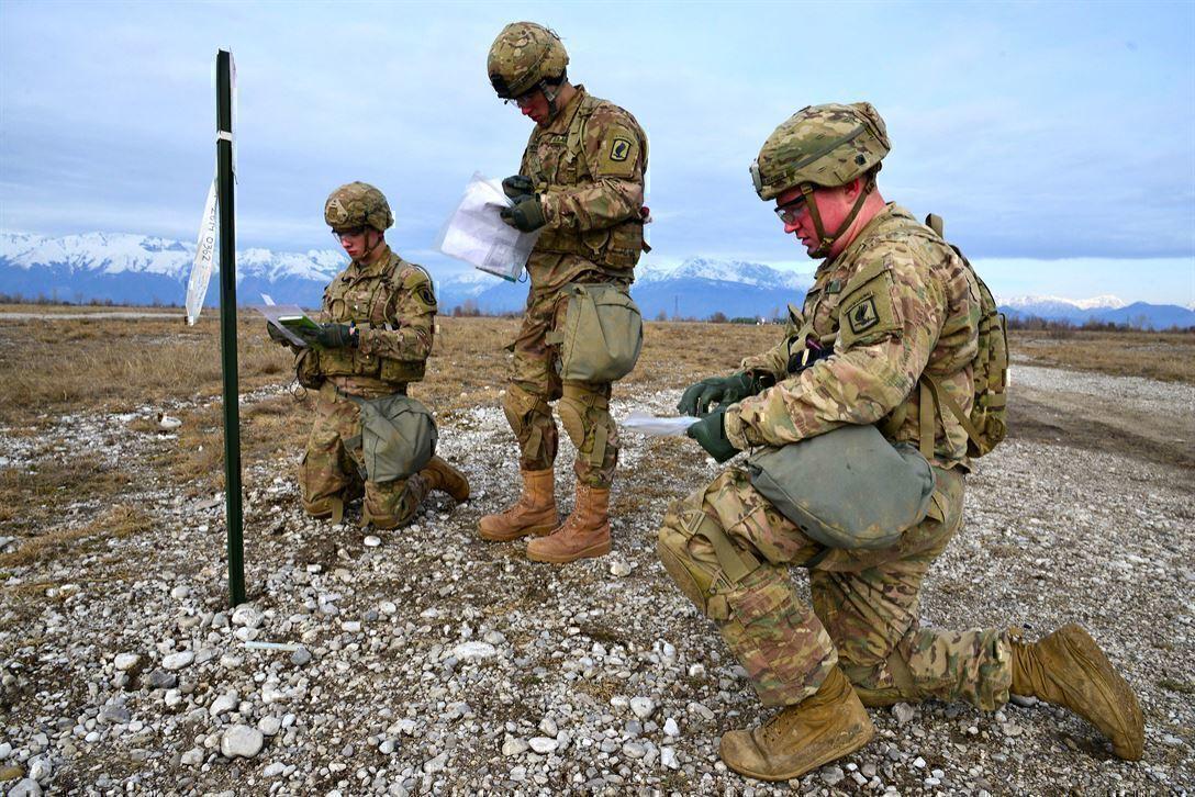 3 soldiers organize their plan