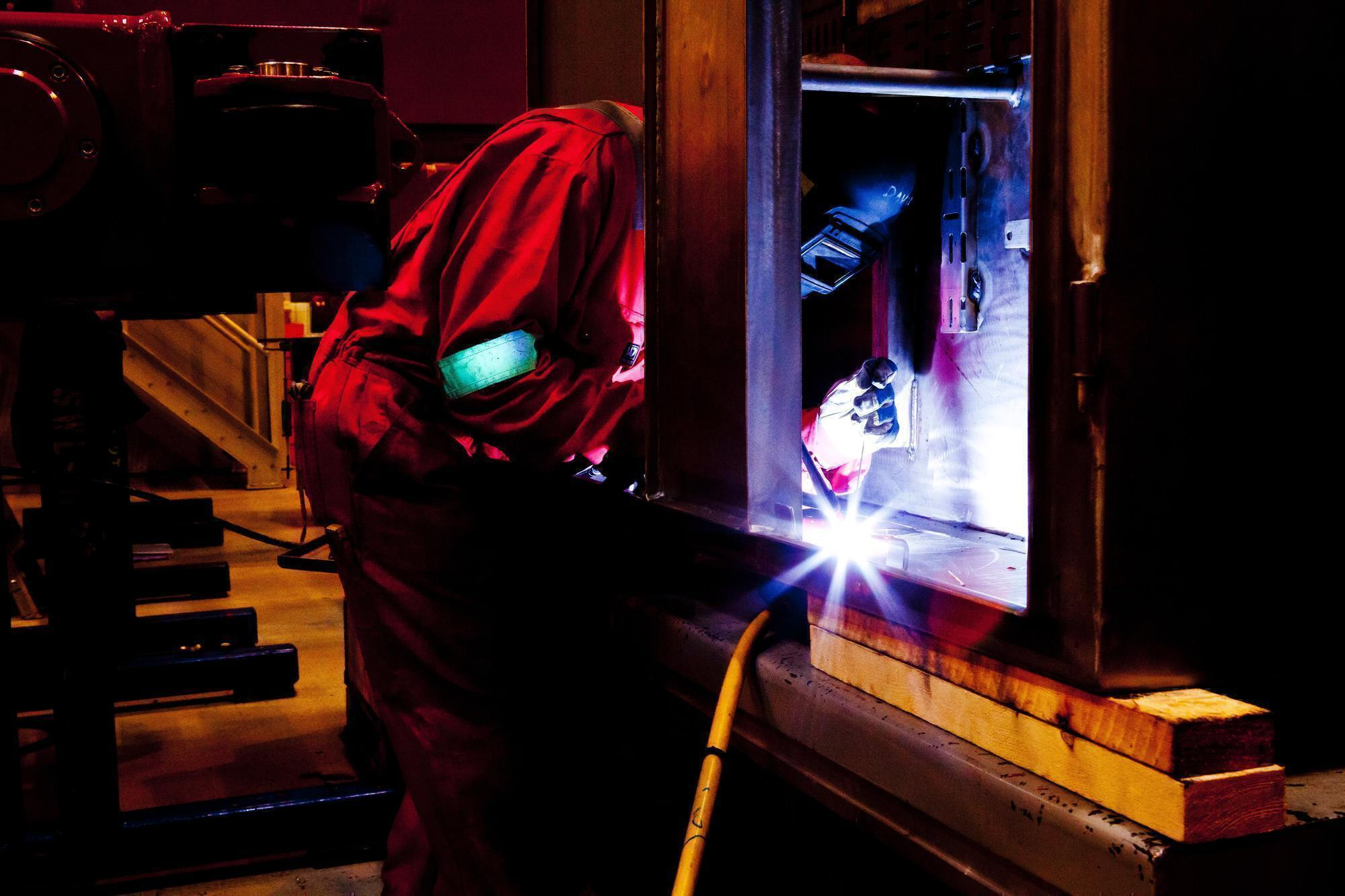 Hot Jobs for Veterans - Welder