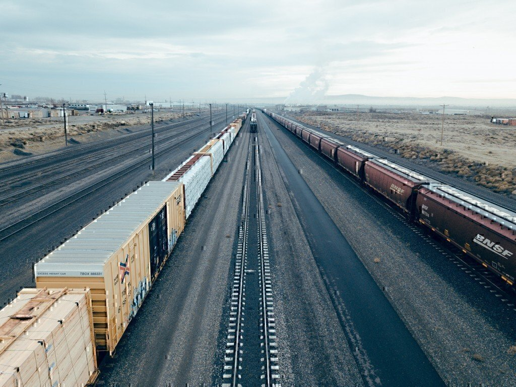 Railroad Jobs Pay High Salaries & Offer Great Benefits