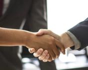 elevator pitch handshake