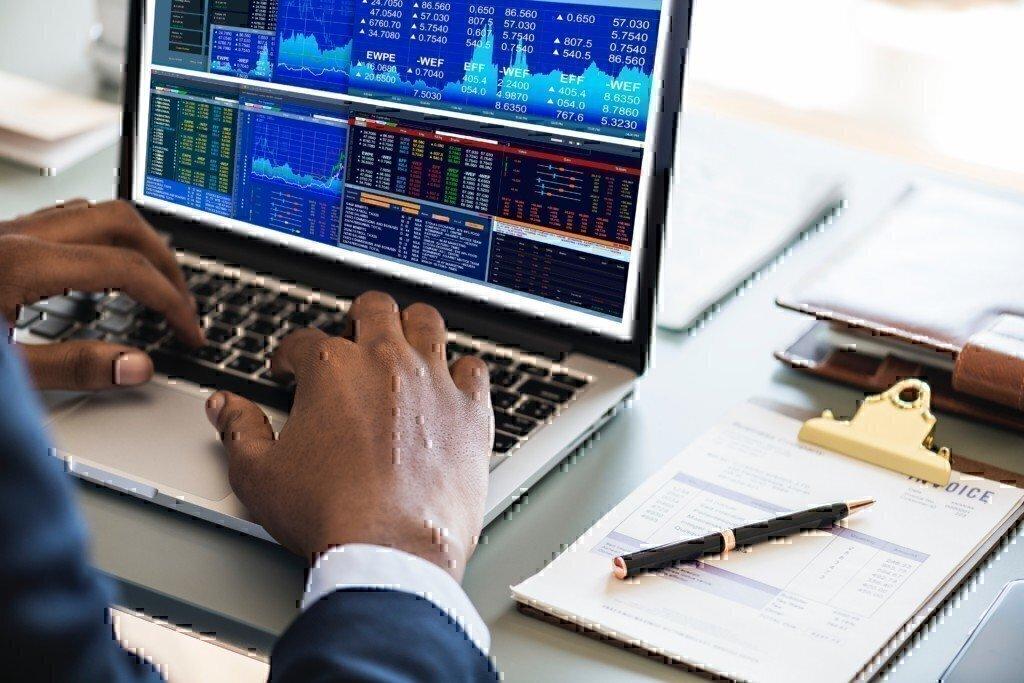 market-research-analyst-jobs-computer