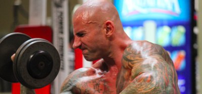 Jim Stoppani does a bicep curl