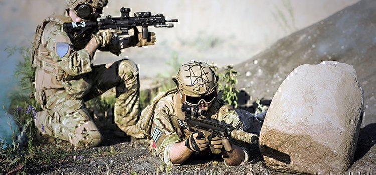 special forces soldiers training green berets