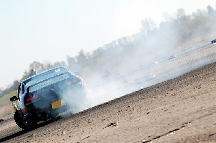 car-drifting-in-lot