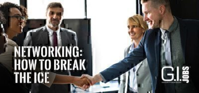 people-shaking-hands-at-networking-event