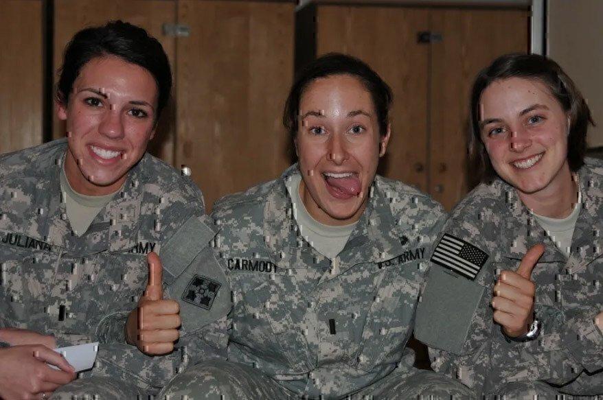 three-female-soldiers
