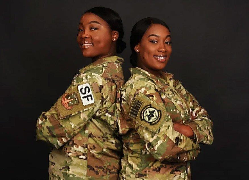 two-female-airmen