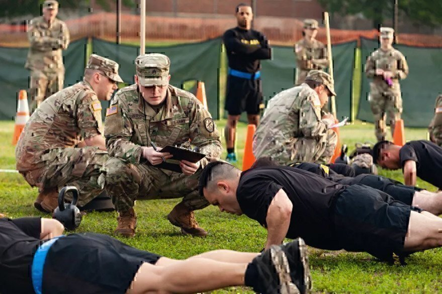soldiers-doing-push-ups