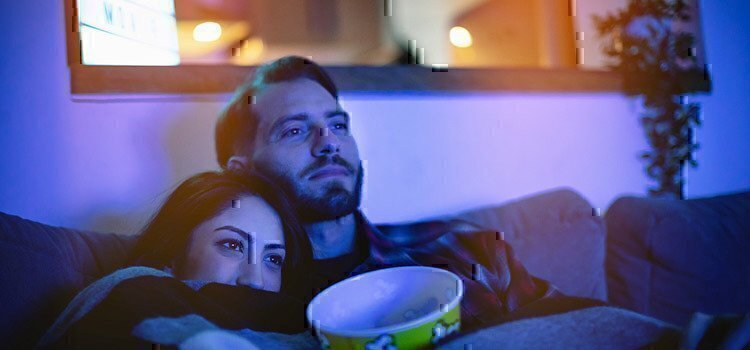 couple-watching-a-movie