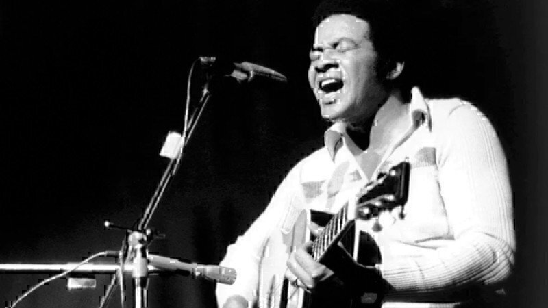 bill-withers-performing